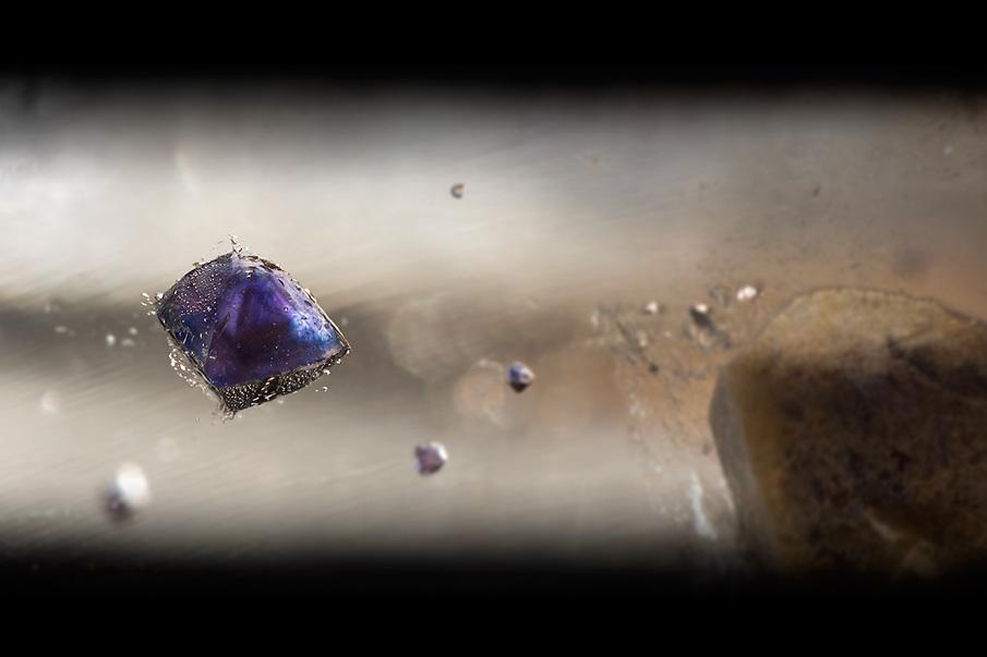 fluorite-in-quartz_1_905.jpg